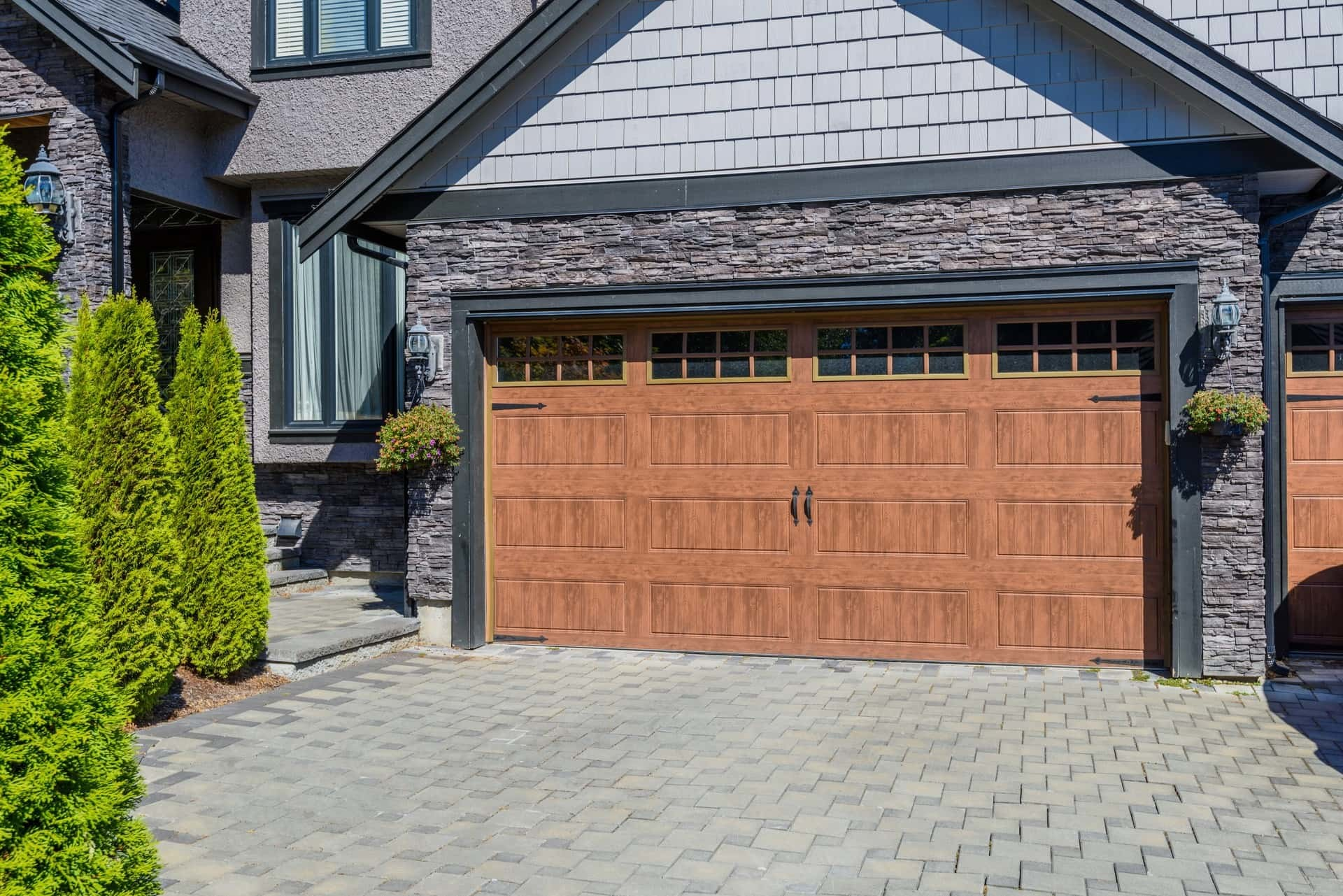 Contemporary Garage Doors for Modern Homes